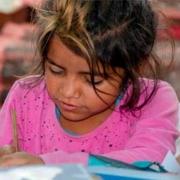 Mädchen aus Tirgu Mures bei Nachschulbetreuung